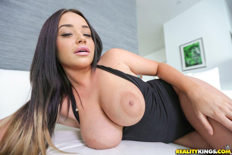 Amateur Girl Sucks Big Cock