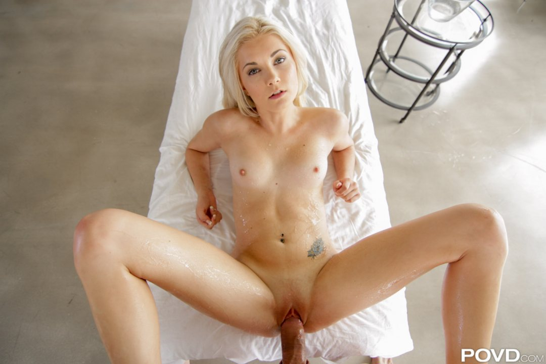 Povd petite blonde elsa jean wraps pussy lips around big dic 9